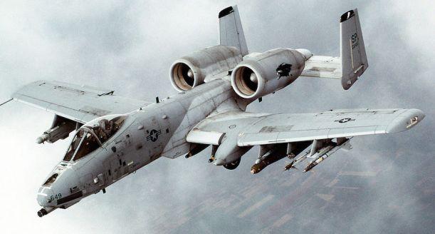 1280px-A-10_Thunderbolt_II_In-flight-2